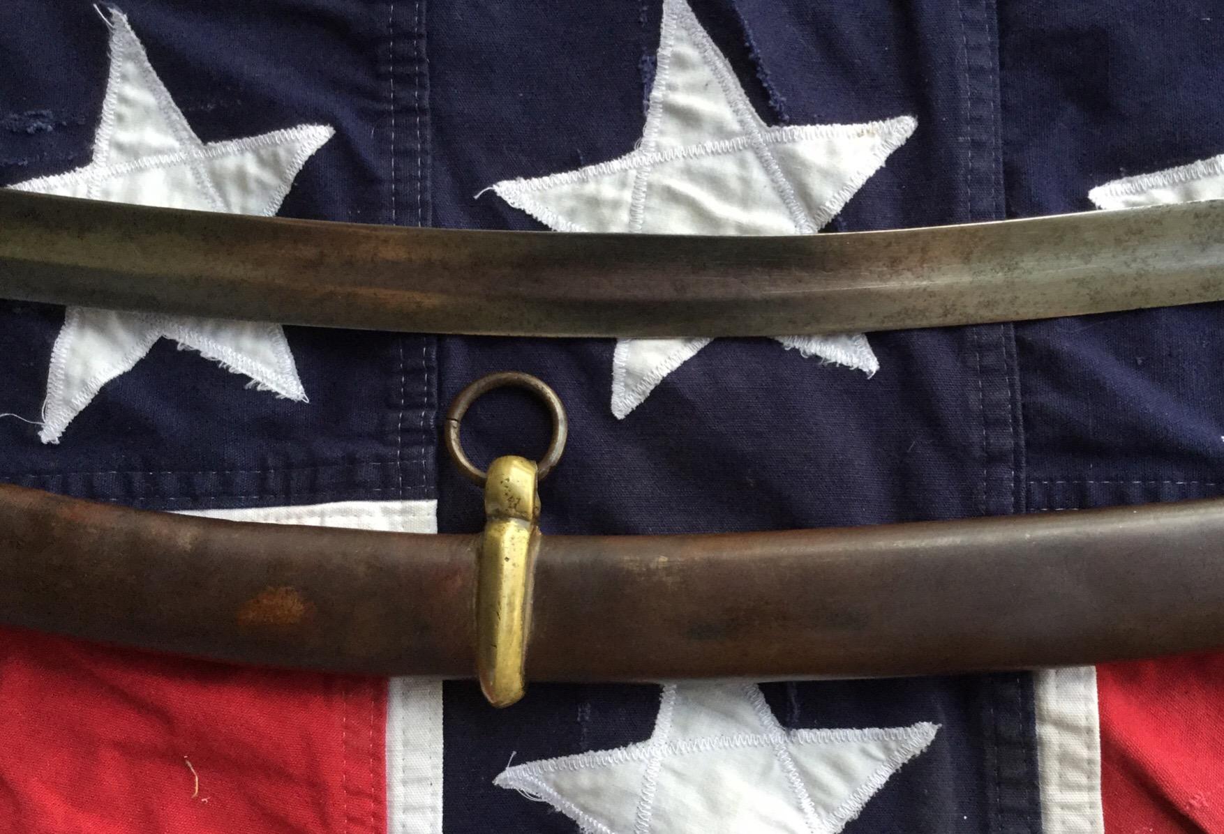 Southern Artillery Saber, Large Fuller
