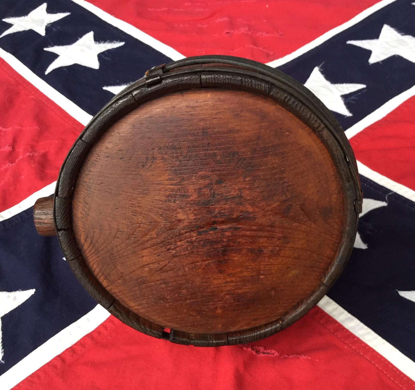 Drum Style Wooden Canteen